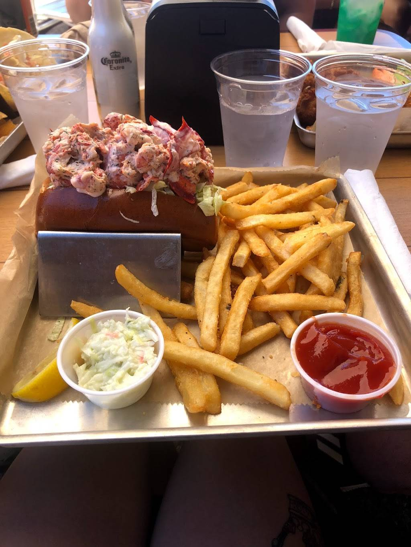 Dockers Restaurant | night club | 3505 Marina View Point, Muskegon, MI 49441, USA | 2317550400 OR +1 231-755-0400
