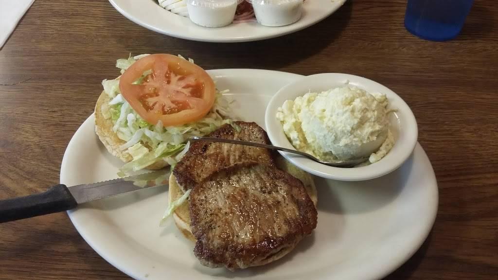Stuart Family Restaurant | restaurant | 307 S Main St, Stuart, VA 24171, USA | 2766942800 OR +1 276-694-2800