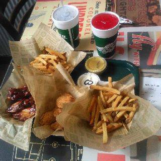 Wingstop | restaurant | 63 W 125th St #65, New York, NY 10027, USA | 2129879464 OR +1 212-987-9464