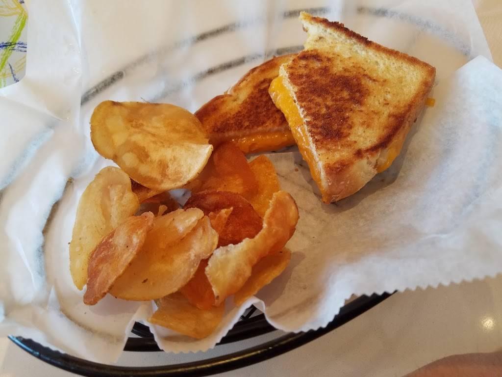 Cheddar Bobs Mac N Cheese Grille | restaurant | Garden City, NY 11530, USA