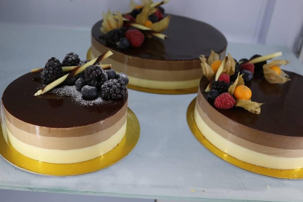 Francesca Italian Bakery & Delicatessen | bakery | 2 Invergordon Ave, Scarborough, ON M1S 2Y8, Canada | 4162991174 OR +1 416-299-1174