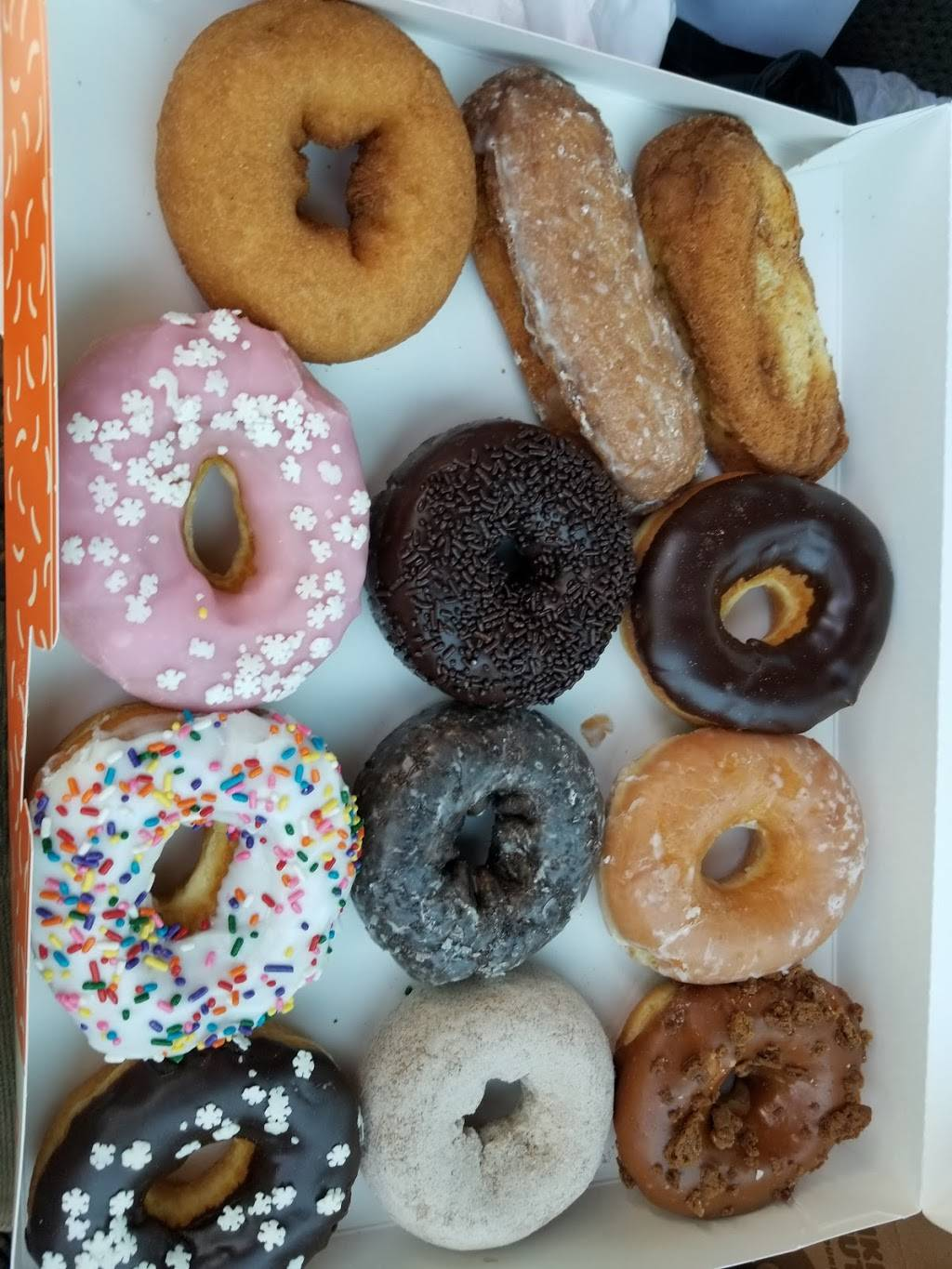 Dunkin Donuts | cafe | 177 Federal Rd Gas Station, Brookfield, CT 06804, USA | 2037751313 OR +1 203-775-1313