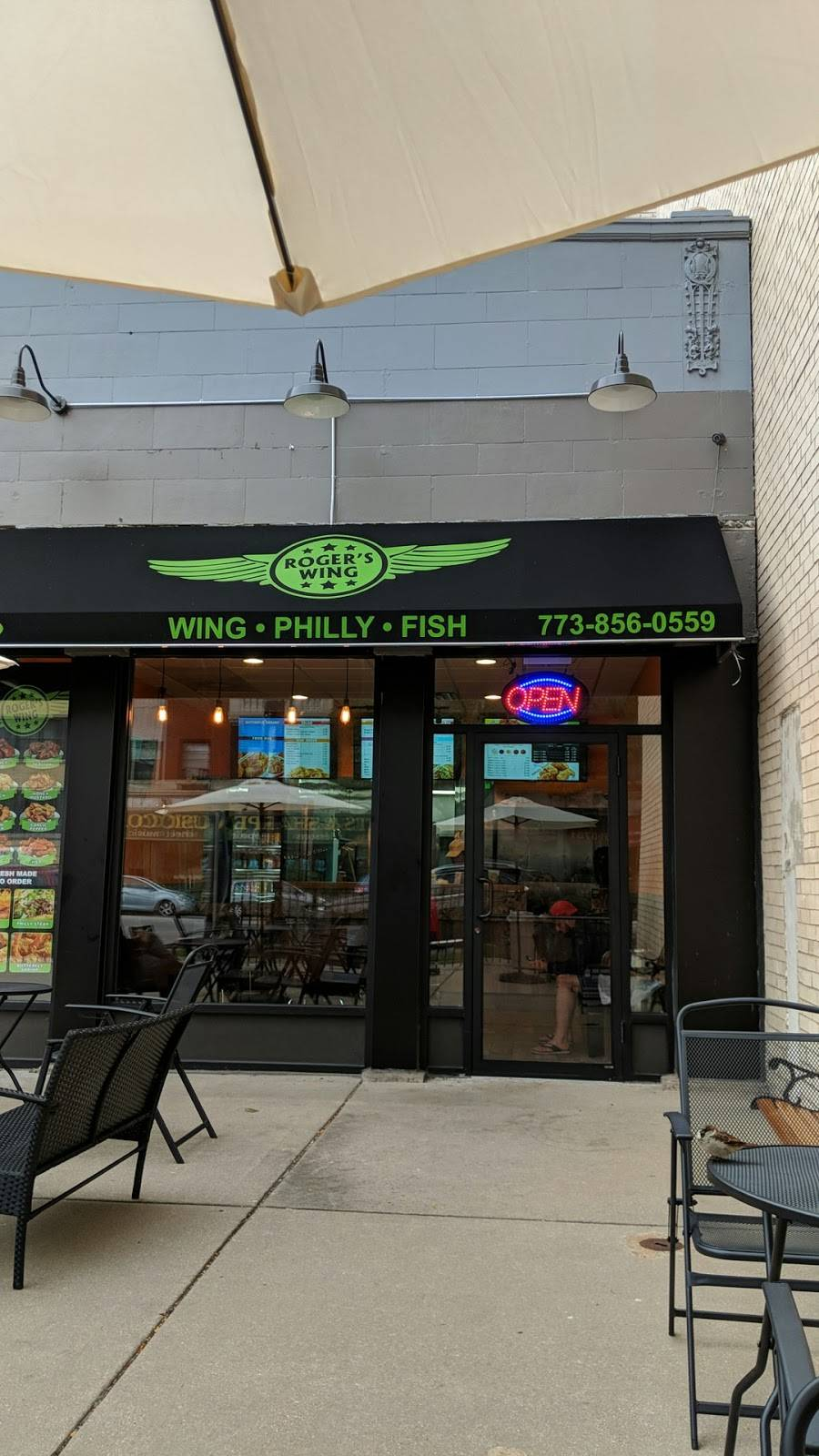 Rogers Wing   restaurant   6752 N Sheridan Rd, Chicago, IL 60626, USA   7738560559 OR +1 773-856-0559