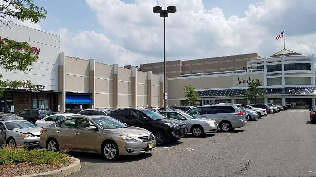 Westfield Garden State Plaza   shopping mall   One Garden State Plaza, Paramus, NJ 07652, USA   2018432121 OR +1 201-843-2121