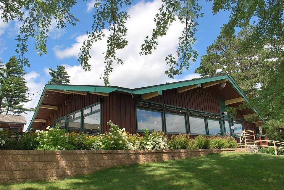 Albatross Grill | restaurant | 457 McKinley Blvd, Eagle River, WI 54521, USA | 7154799005 OR +1 715-479-9005