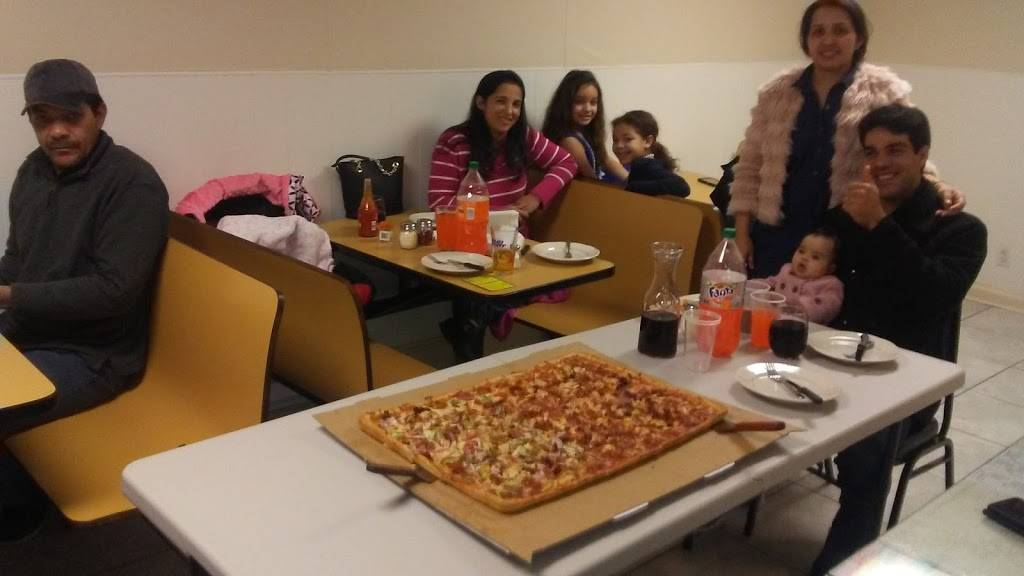 Victorias Pizza Restaurant | meal delivery | 168 Hillside Ave, Hartford, CT 06106, USA | 8609510500 OR +1 860-951-0500