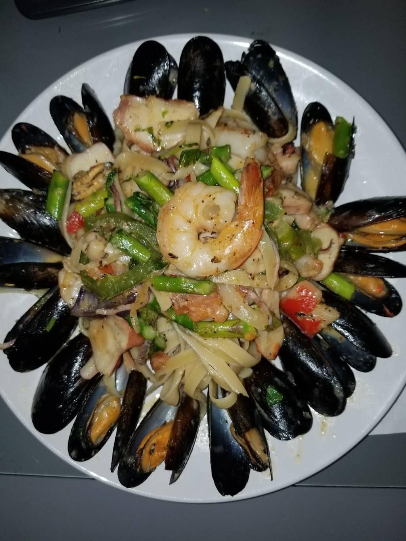 Pollo lounge and grill | restaurant | 225a Bowdoin St, Boston, MA 02125, USA | 8572713649 OR +1 857-271-3649