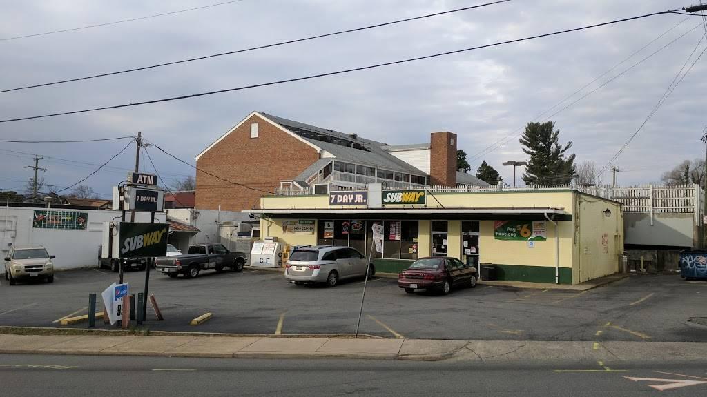 Subway | restaurant | 111 Maury Ave, Charlottesville, VA 22903, USA | 4349775141 OR +1 434-977-5141