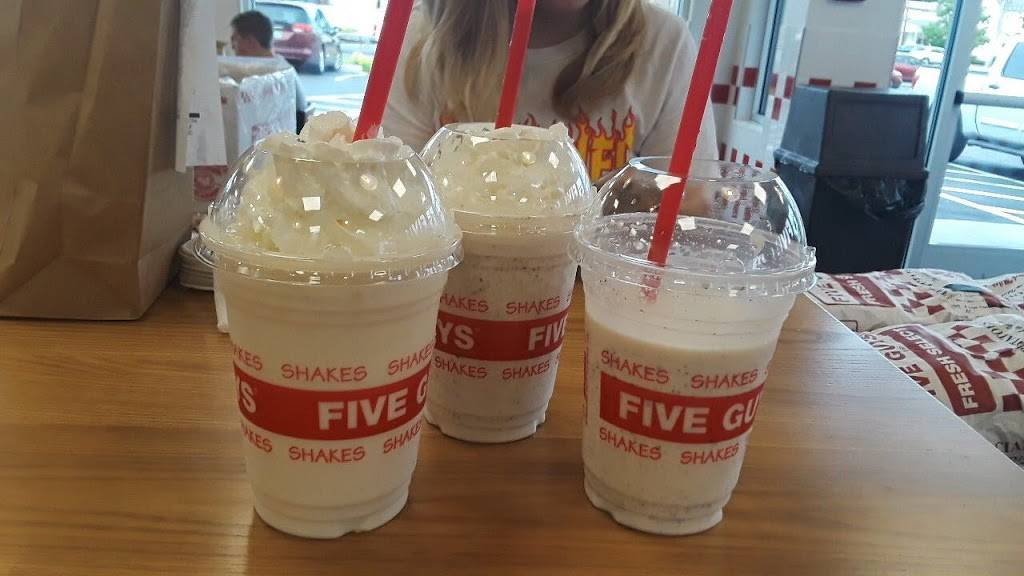 Five Guys | restaurant | 5 N Main St, Rutland, VT 05701, USA | 8024172752 OR +1 802-417-2752