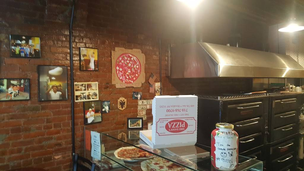 Mike Daddys Pizza | meal delivery | 449 7th Ave, Brooklyn, NY 11215, USA | 7187689700 OR +1 718-768-9700