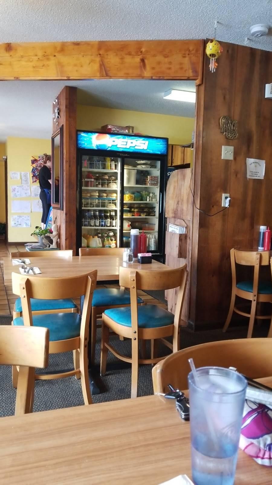 Broken Yolk Inc | restaurant | 3350 Grand Blvd, Holiday, FL 34690, USA | 7278417178 OR +1 727-841-7178
