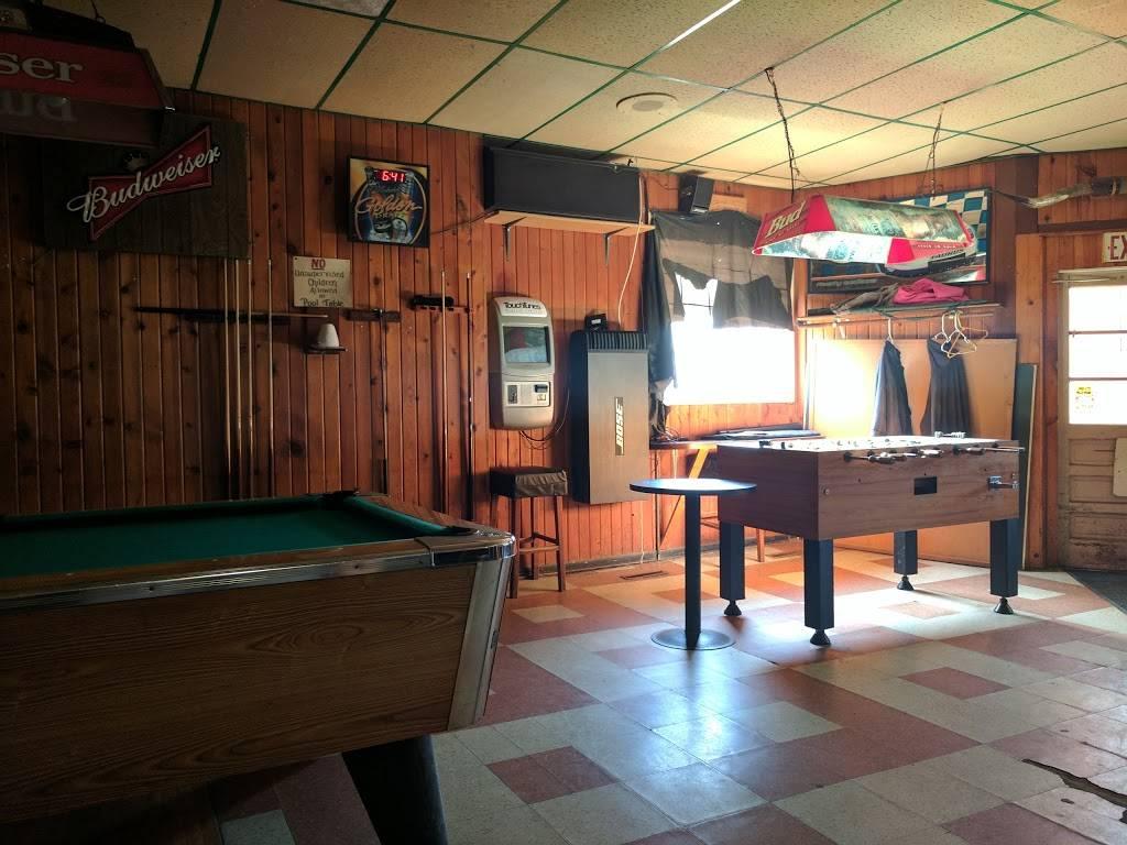 Schuckys Bar & Grill | restaurant | 100 S White Ave, Alta Vista, IA 50603, USA | 6413642625 OR +1 641-364-2625