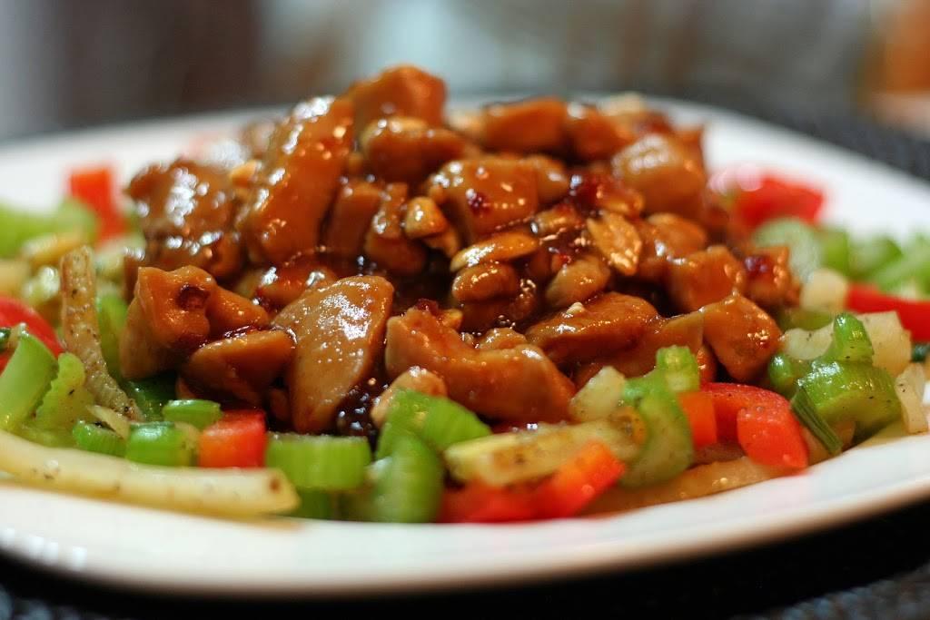 Lucky Panda | restaurant | 217 N Cascade St, Osceola, WI 54020, USA | 7152943533 OR +1 715-294-3533