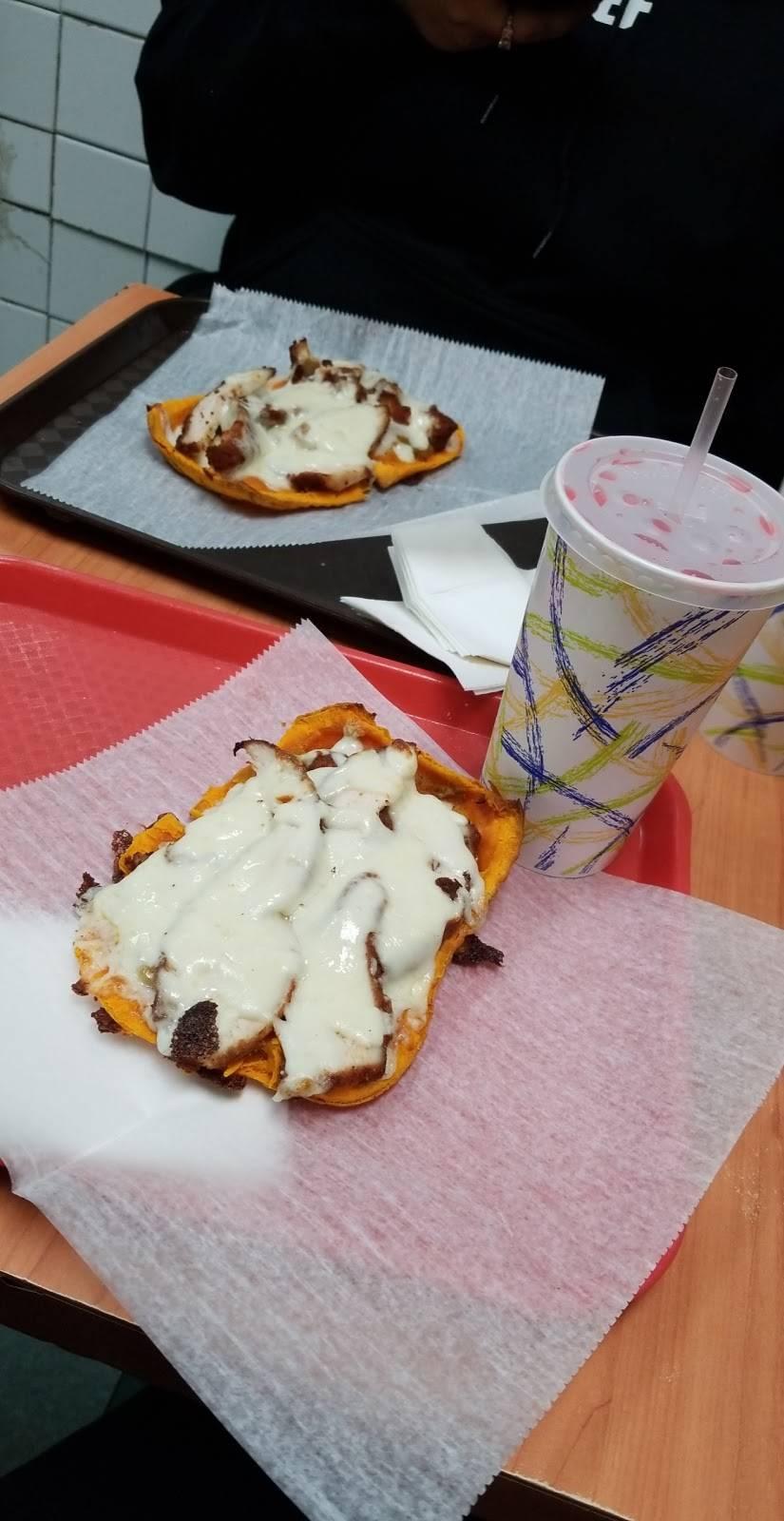 Pizza Palace | restaurant | 121 Dyckman St, New York, NY 10040, USA | 2125679588 OR +1 212-567-9588
