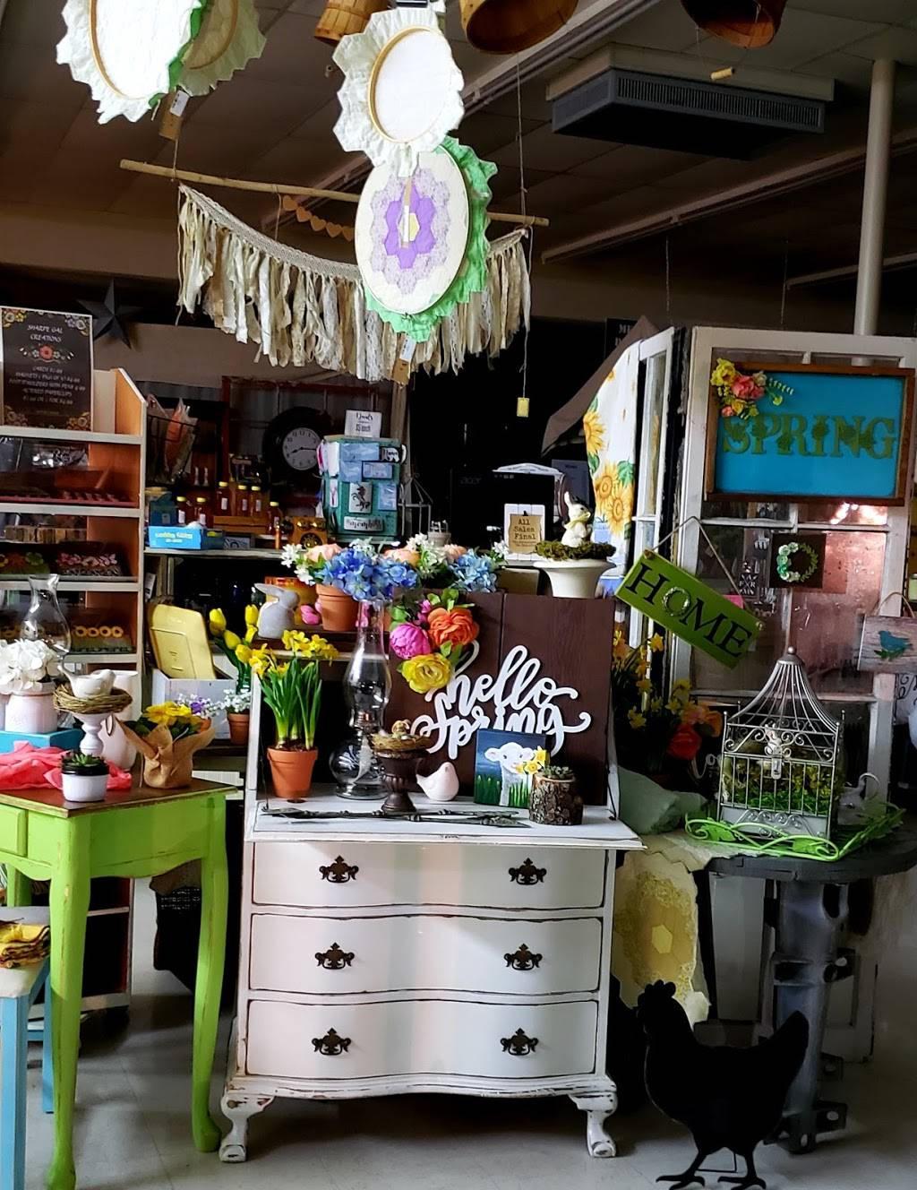 Center Street Junction - Mercantile and More   restaurant   101 Mashell Ave N, Eatonville, WA 98328, USA   3608322526 OR +1 360-832-2526