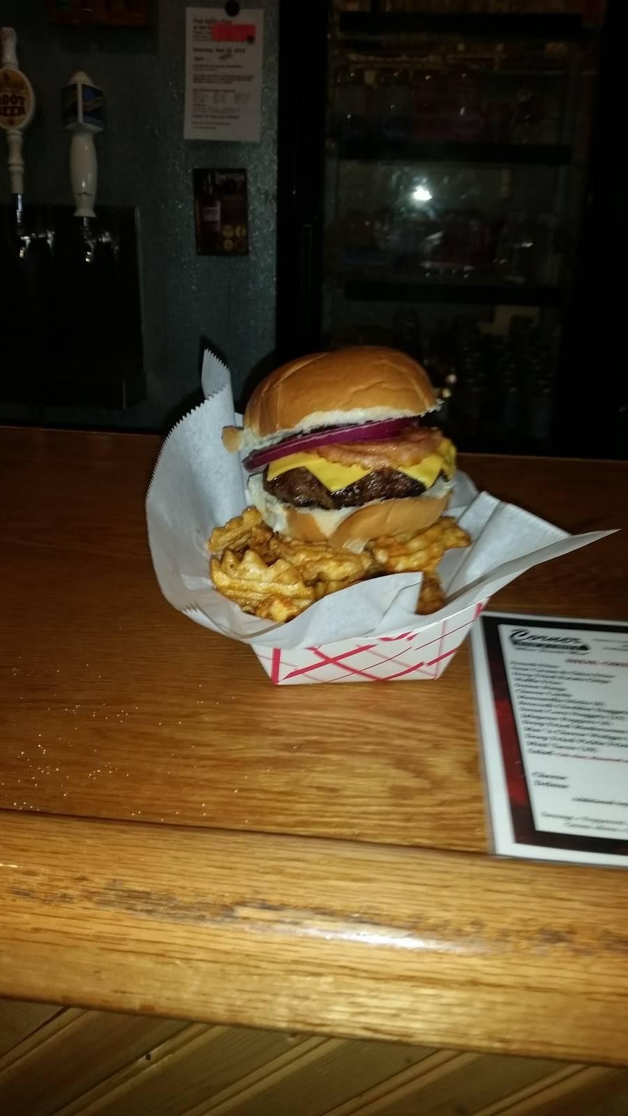 Mikes Corner Bar | meal takeaway | 203 Main St, Darlington, WI 53530, USA | 6087763300 OR +1 608-776-3300