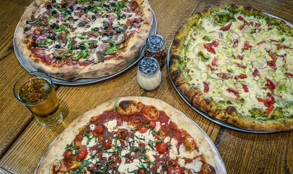 Starland Pizzeria and Pub | restaurant | 145 E Clayton St, Athens, GA 30601, USA | 7066138773 OR +1 706-613-8773