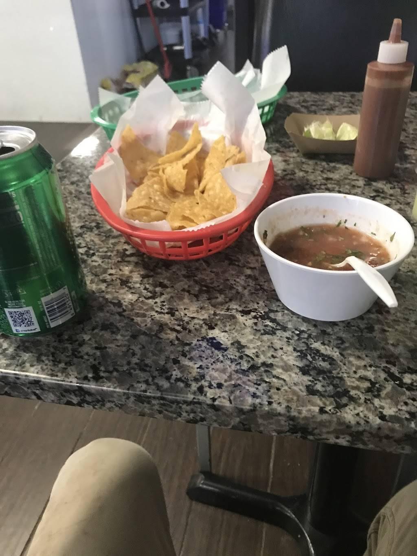 La Herradura taqueria | meal takeaway | 511 Addison Rd, Addison, IL 60101, USA | 6303594157 OR +1 630-359-4157