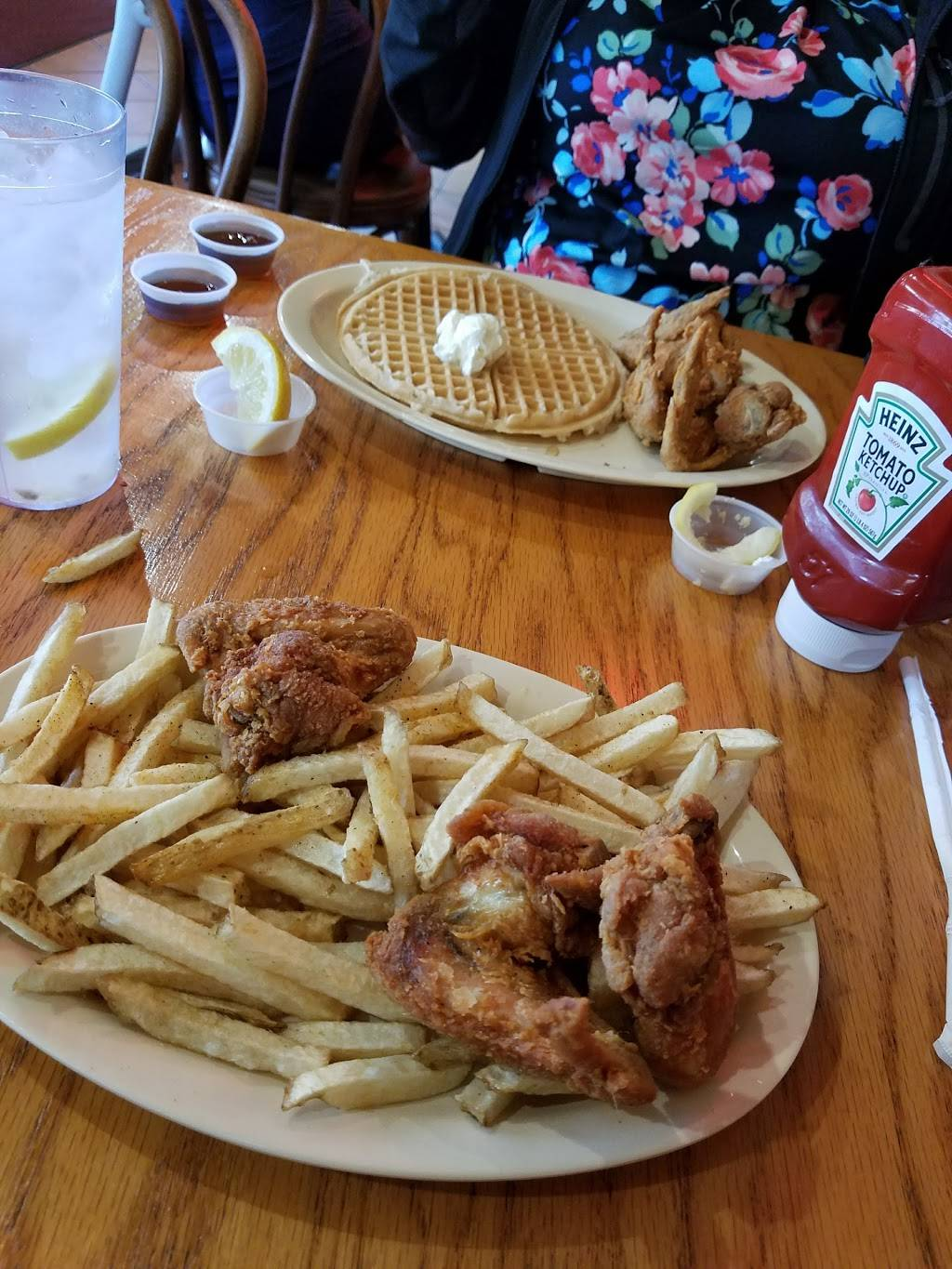 Roscoes House of Chicken and Waffles   restaurant   621 W Manchester Blvd, Inglewood, CA 90301, USA   3109814141 OR +1 310-981-4141