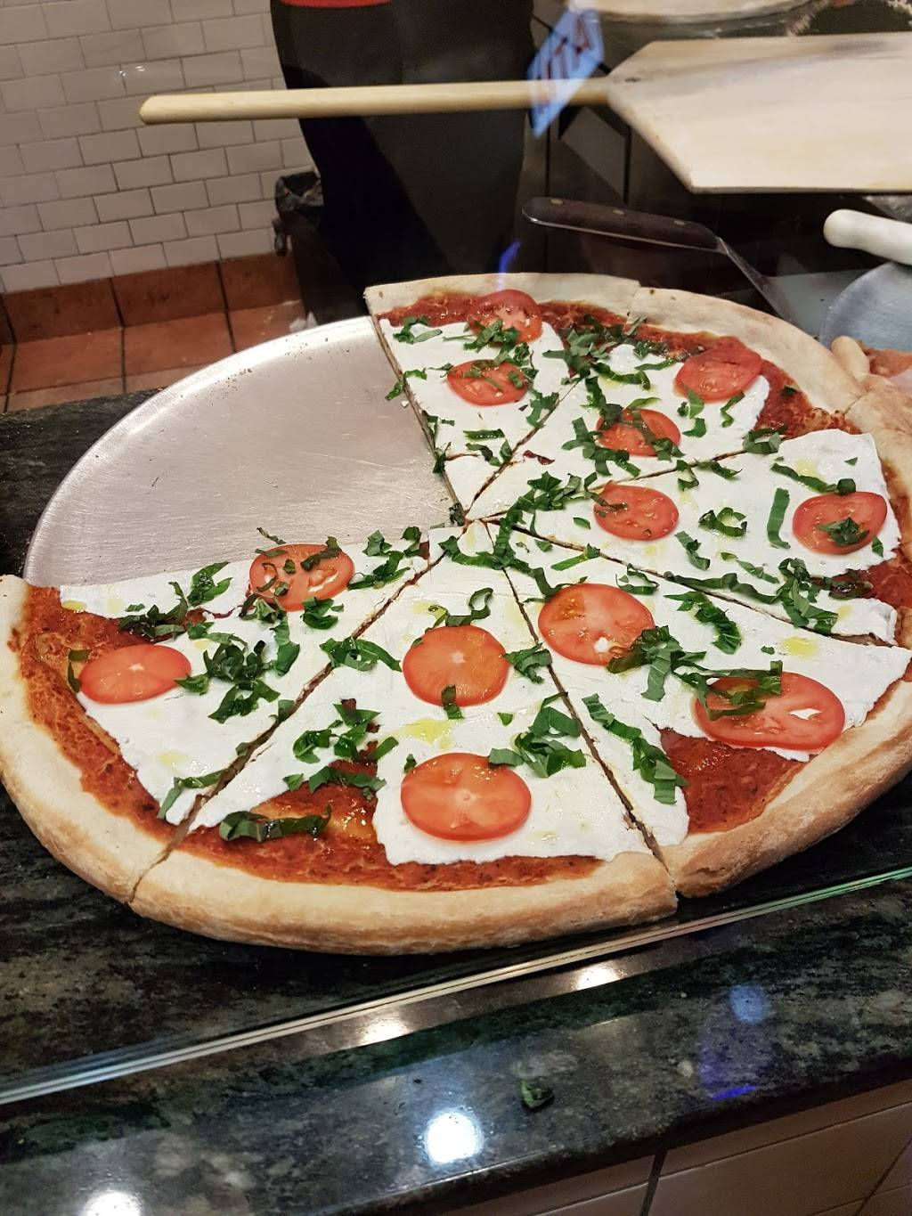 Famous Famiglia Pizza | meal delivery | 686 8th Ave, New York, NY 10036, USA | 2123823030 OR +1 212-382-3030