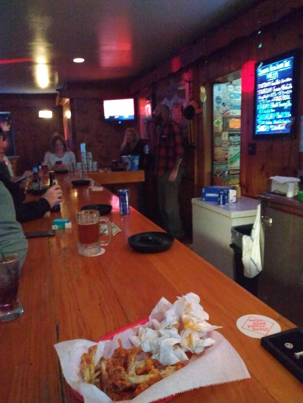 Country Lounge | restaurant | Main St, Great Bend, PA 18821, USA | 5708794414 OR +1 570-879-4414