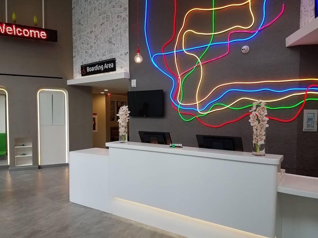 ibis Styles New York LaGuardia Airport | restaurant | 100-33 Ditmars Blvd, East Elmhurst, NY 11369, USA | 7186067400 OR +1 718-606-7400