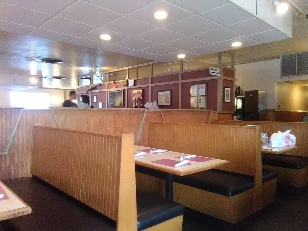 Kissin Cuzzins | restaurant | 951 34th St N, St. Petersburg, FL 33713, USA | 7273233915 OR +1 727-323-3915