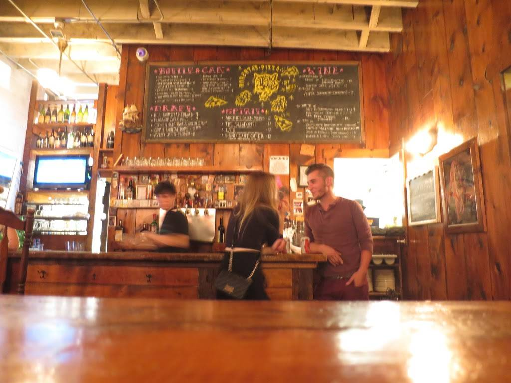 Robertas   bakery   261 Moore St, Brooklyn, NY 11206, USA   7184171118 OR +1 718-417-1118