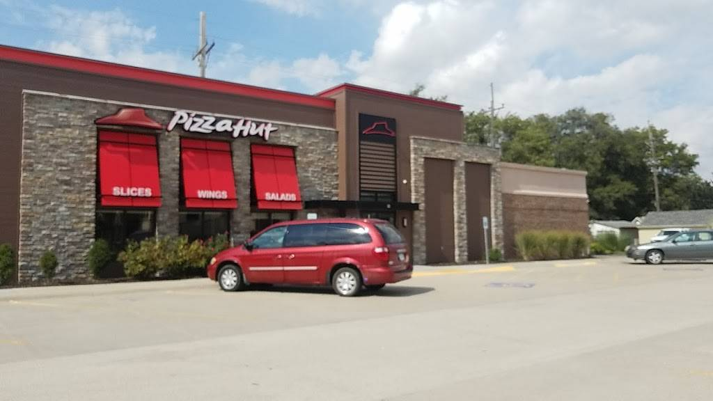Pizza Hut | meal takeaway | 212 S Lincoln Ave, York, NE 68467, USA | 4023624746 OR +1 402-362-4746