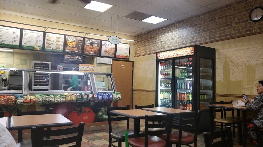 Subway Restaurants | restaurant | 807 E Anaheim St, Long Beach, CA 90813, USA | 5625993900 OR +1 562-599-3900
