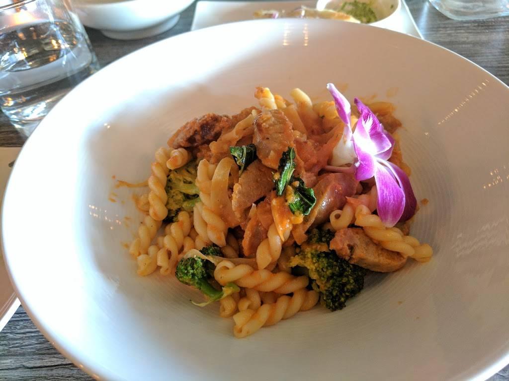 Farm & Vine American Bistro   restaurant   248 Lorton Ave, Burlingame, CA 94010, USA   6504457256 OR +1 650-445-7256
