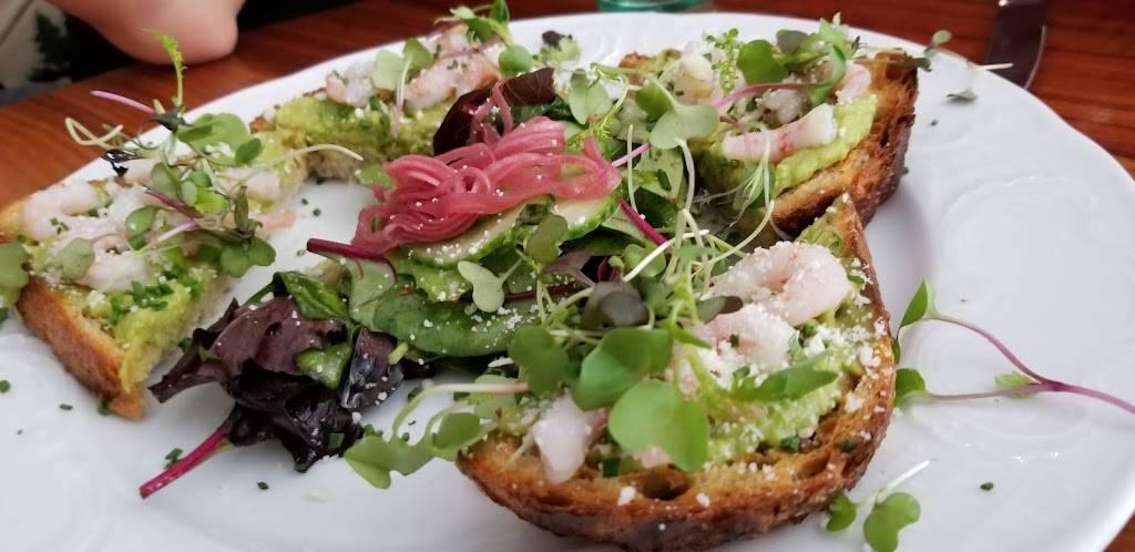 Stoneacre Brasserie   restaurant   28 Washington Square, Newport, RI 02840, USA   4016197810 OR +1 401-619-7810