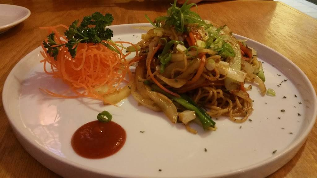 Sushi Mama | restaurant | 424 Newtown Rd, Virginia Beach, VA 23462, USA | 7575540120 OR +1 757-554-0120