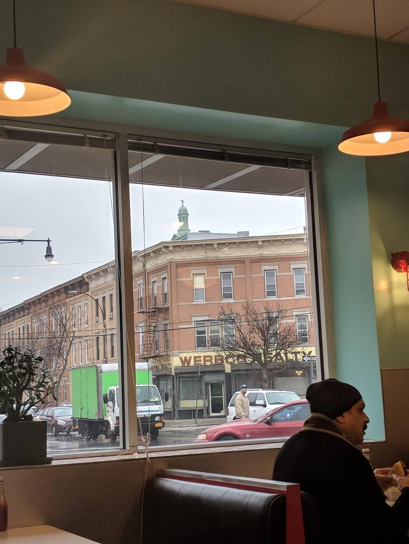 Tastys | cafe | 58-02 Myrtle Ave, Ridgewood, NY 11385, USA | 7184560954 OR +1 718-456-0954