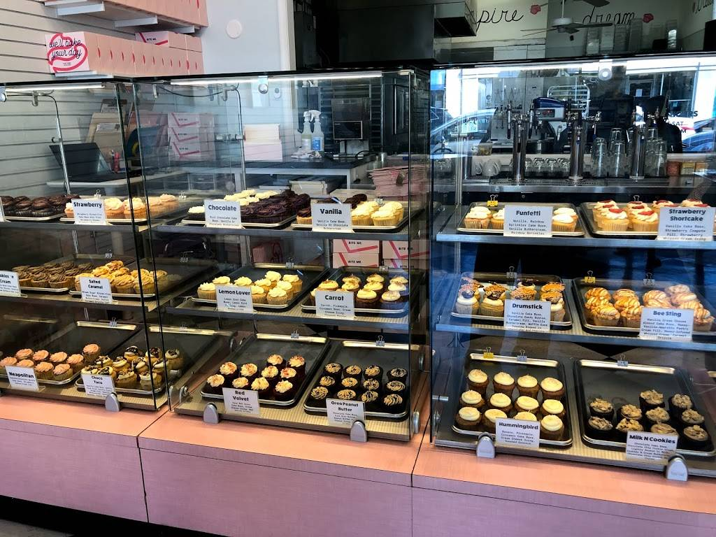 Carytown Cupcakes   meal takeaway   3111 W Cary St, Richmond, VA 23221, USA   8043552253 OR +1 804-355-2253