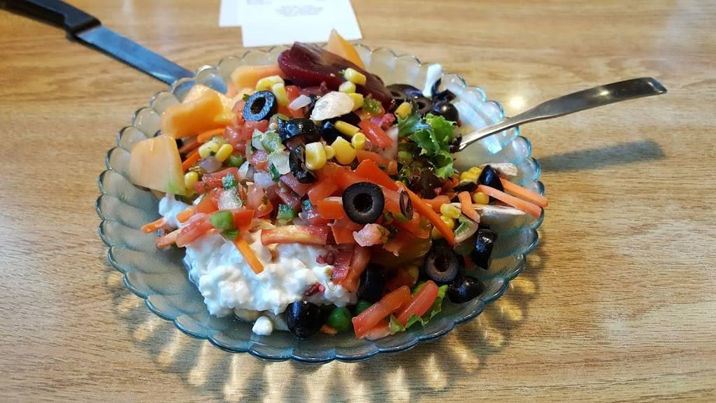 HomeTown Buffet | restaurant | 3000 Gateway St, Springfield, OR 97477, USA | 5417463220 OR +1 541-746-3220