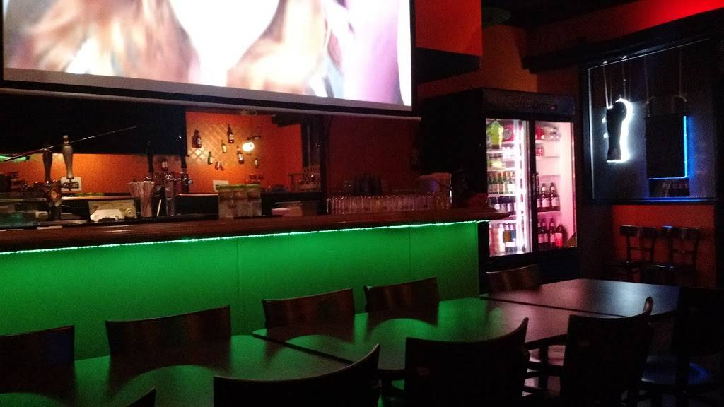 The Spot Lounge | restaurant | 2325 Taraval, San Francisco, CA 94116, USA | 4155644464 OR +1 415-564-4464