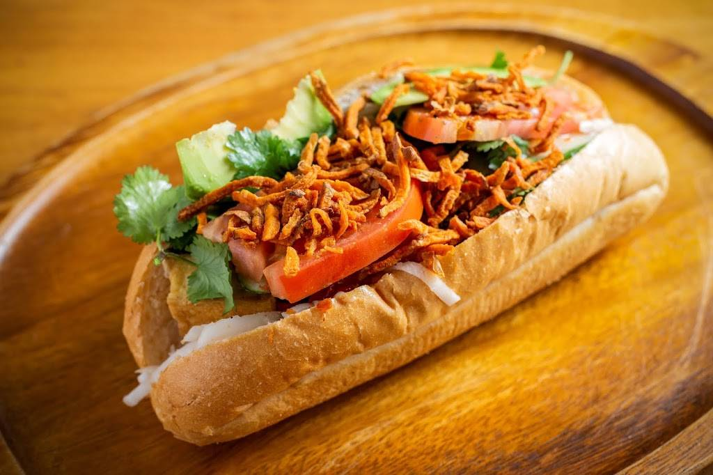 Lotus Cafe & Banh Mi Sandwich | cafe | 719 W Maxwell St, Chicago, IL 60607, USA | 3127337595 OR +1 312-733-7595