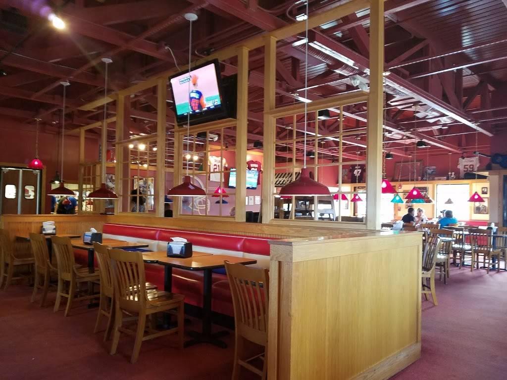 Fuddruckers   restaurant   44036 Pipeline Plaza, Ashburn, VA 20147, USA   7037240990 OR +1 703-724-0990