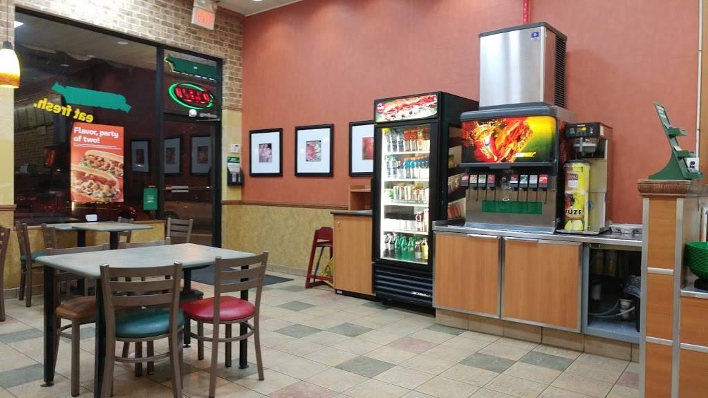Subway Restaurants | restaurant | 2010 John F. Kennedy Blvd, Union City, NJ 07087, USA | 2013250060 OR +1 201-325-0060