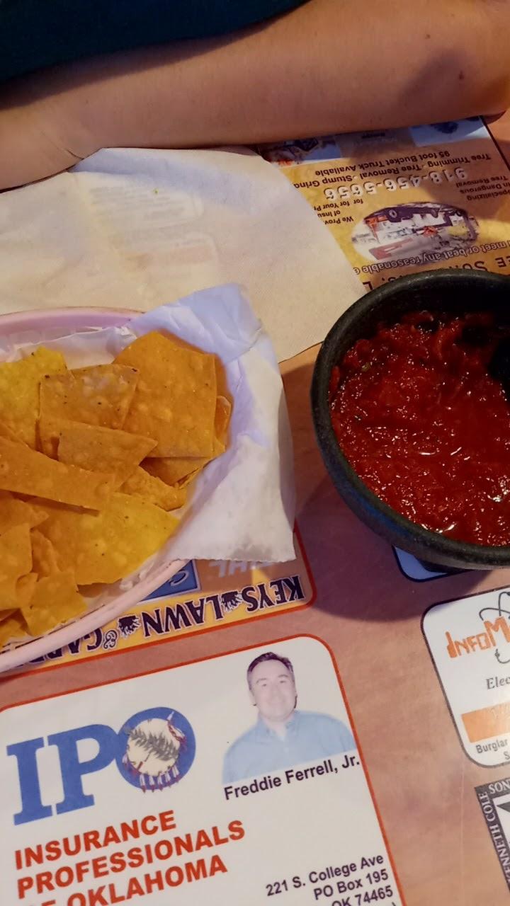 La Cabana Mexican Restaurant   restaurant   411 S 2nd St, Stilwell, OK 74960, USA   9186966874 OR +1 918-696-6874