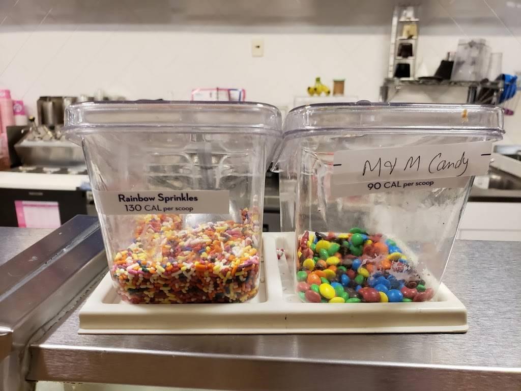 Dunkin Donuts   cafe   269 8th Ave, New York, NY 10011, USA   6463968390 OR +1 646-396-8390