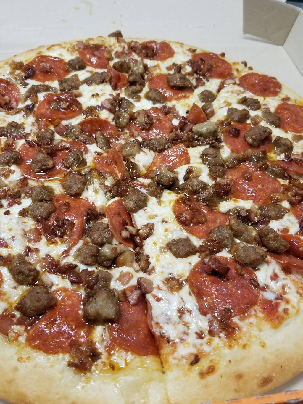 Little Caesars Pizza | meal takeaway | 300 Wyckoff Ave, Brooklyn, NY 11237, USA | 7184180307 OR +1 718-418-0307