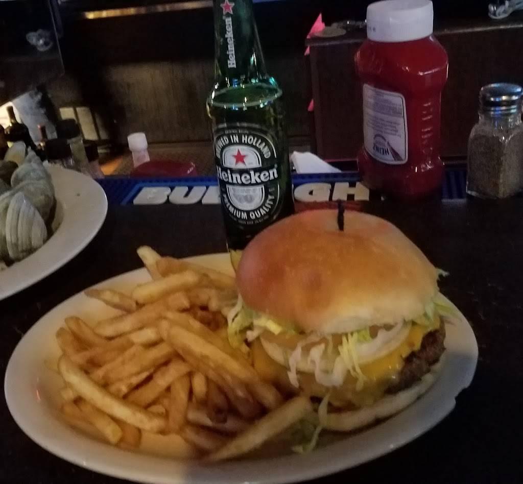 Moby Dicks Restaurant Lounge   restaurant   351 West Ave, Sewaren, NJ 07077, USA   7326347572 OR +1 732-634-7572