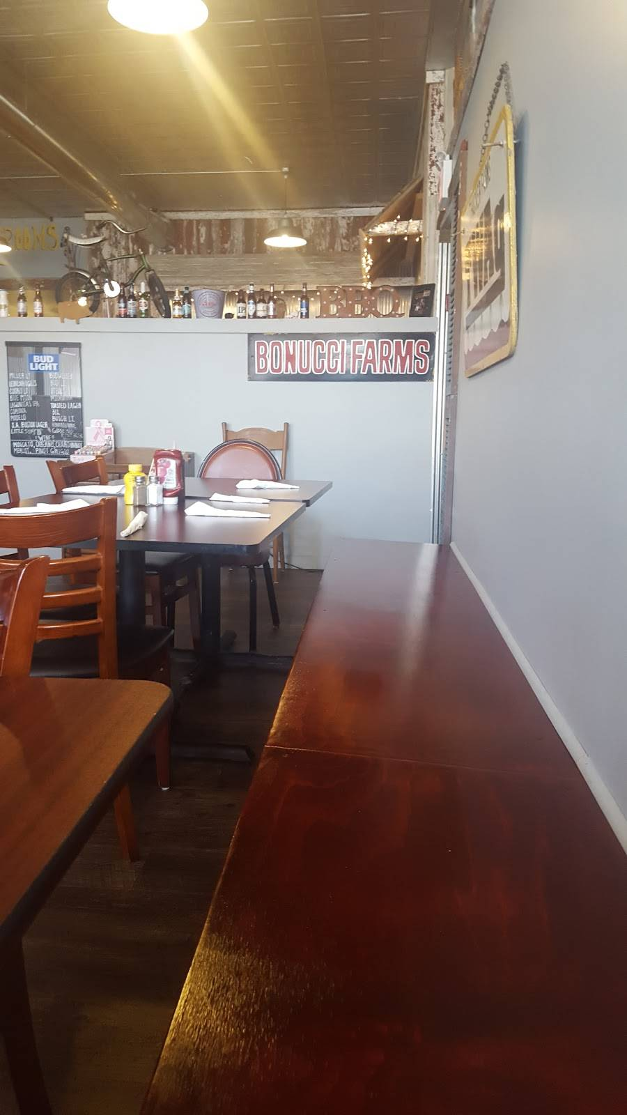 niel & shorty's bbq company - restaurant | 646 s main st