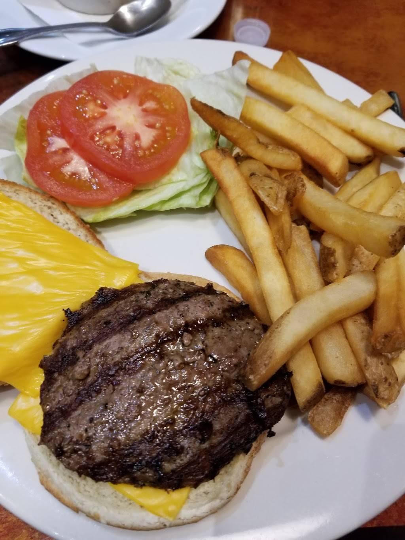 Tastee Corner | restaurant | 30-20 30th Ave, Astoria, NY 11102, USA | 7182747704 OR +1 718-274-7704