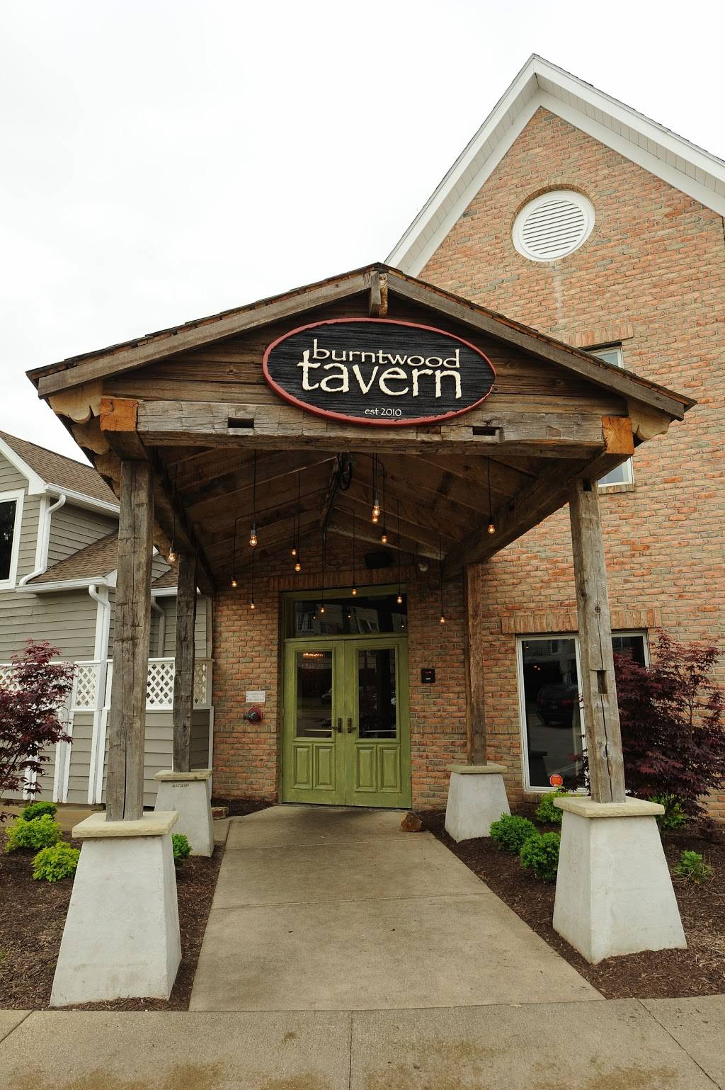 Burntwood Tavern Cuyahoga Falls | restaurant | 2291 Riverfront Pkwy, Cuyahoga Falls, OH 44221, USA | 3307947085 OR +1 330-794-7085