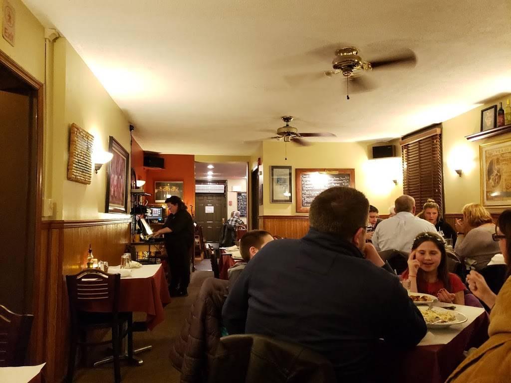 Casa De Pasta | restaurant | 125 Bemis St, Canandaigua, NY 14424, USA | 5853943710 OR +1 585-394-3710