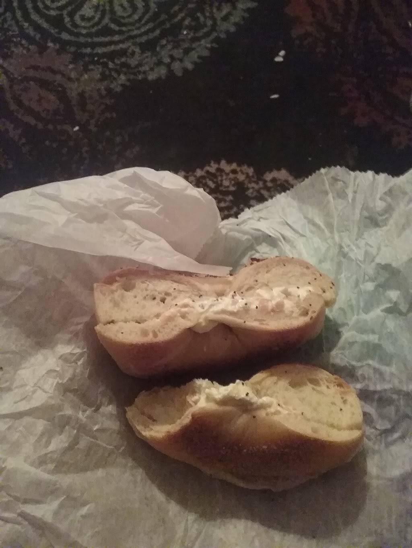 Bagel Twist & Deli | bakery | 380 Queen Anne Rd, Teaneck, NJ 07666, USA | 2013578311 OR +1 201-357-8311