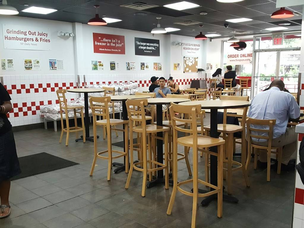 Five Guys | meal takeaway | 2847 Broadway, New York, NY 10025, USA | 2126787701 OR +1 212-678-7701